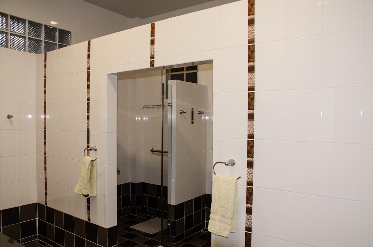2nd floor bdrm bathroom